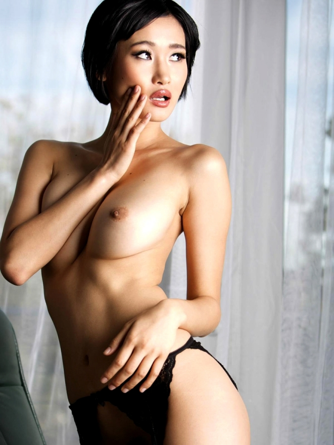 Sexy japan lady artistic performance nude sport art