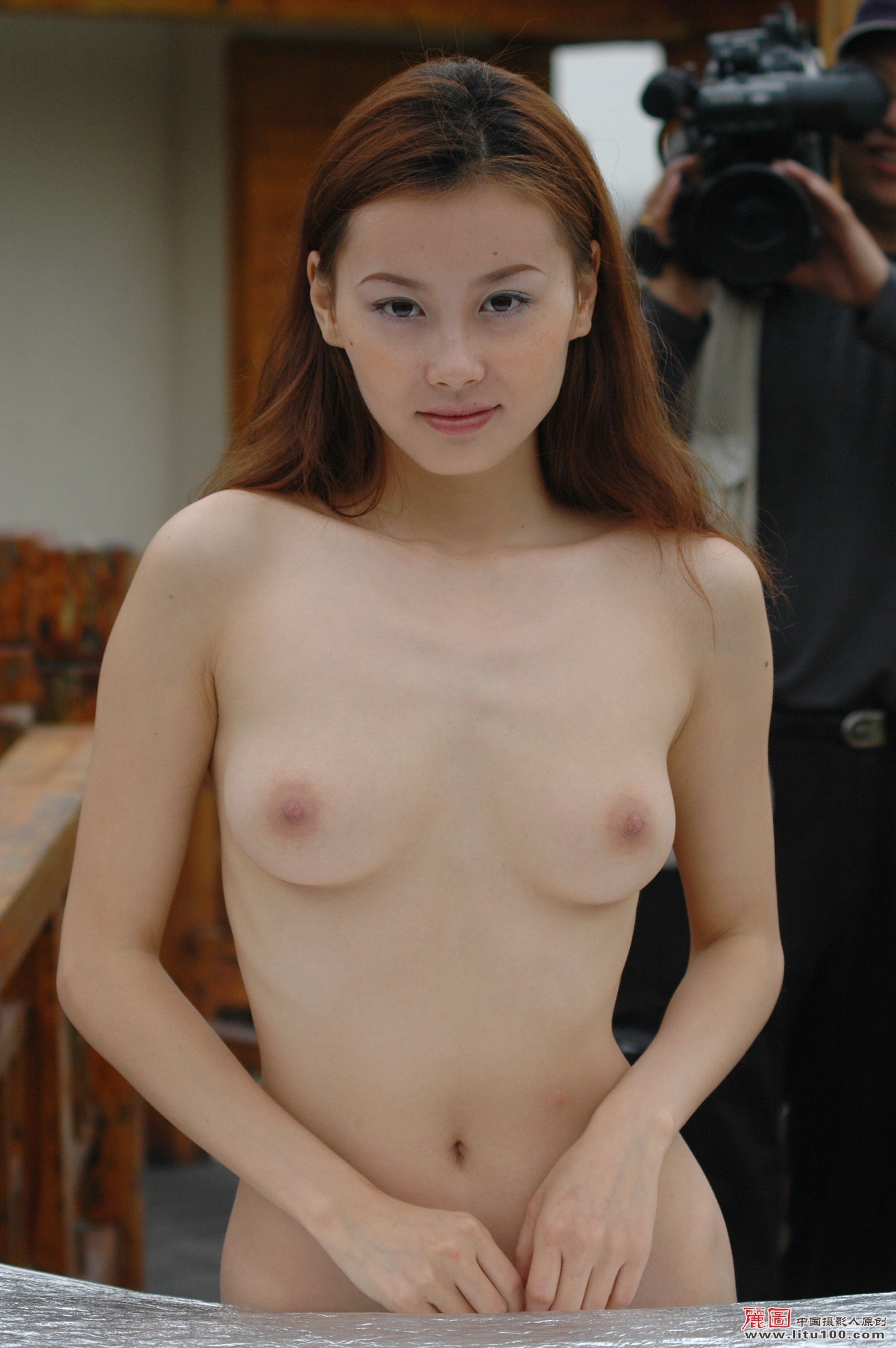 Has chinese nude art 43