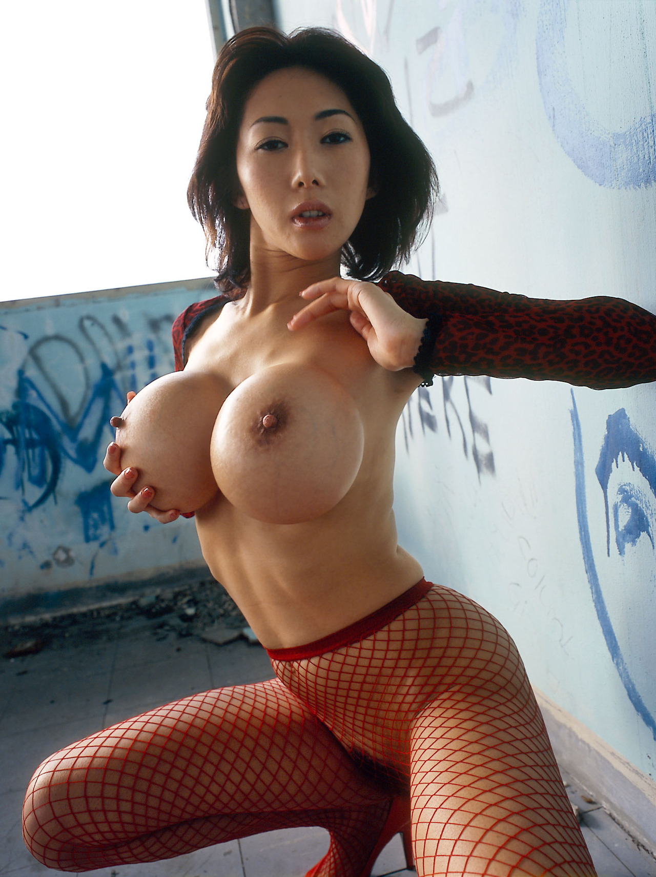 Sara Who asian babe big tits just