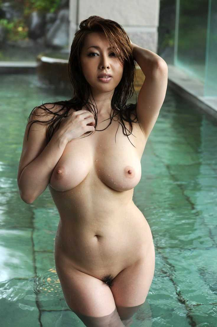Girls that are curvy naked and hot — img 15