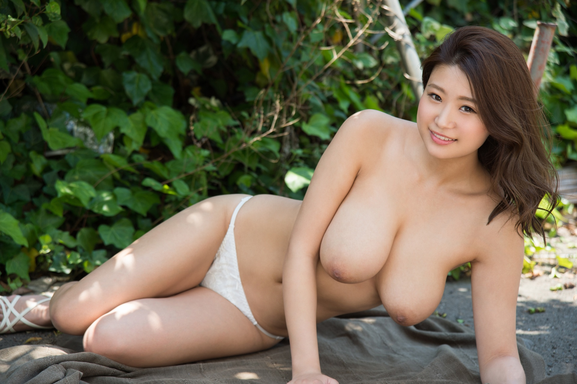 Asian girlfriend topless chatting with big tits